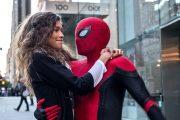 Zendaya holder om sin helt i Edderkoppmann: Langt hjemmefra (Marvel/Sony)