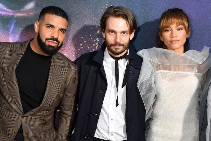 Drake, Sam Levinson og Zendaya på premieren til Euphoria i The Cinerama Dome i Los Angeles (Kevin Winter/Getty)