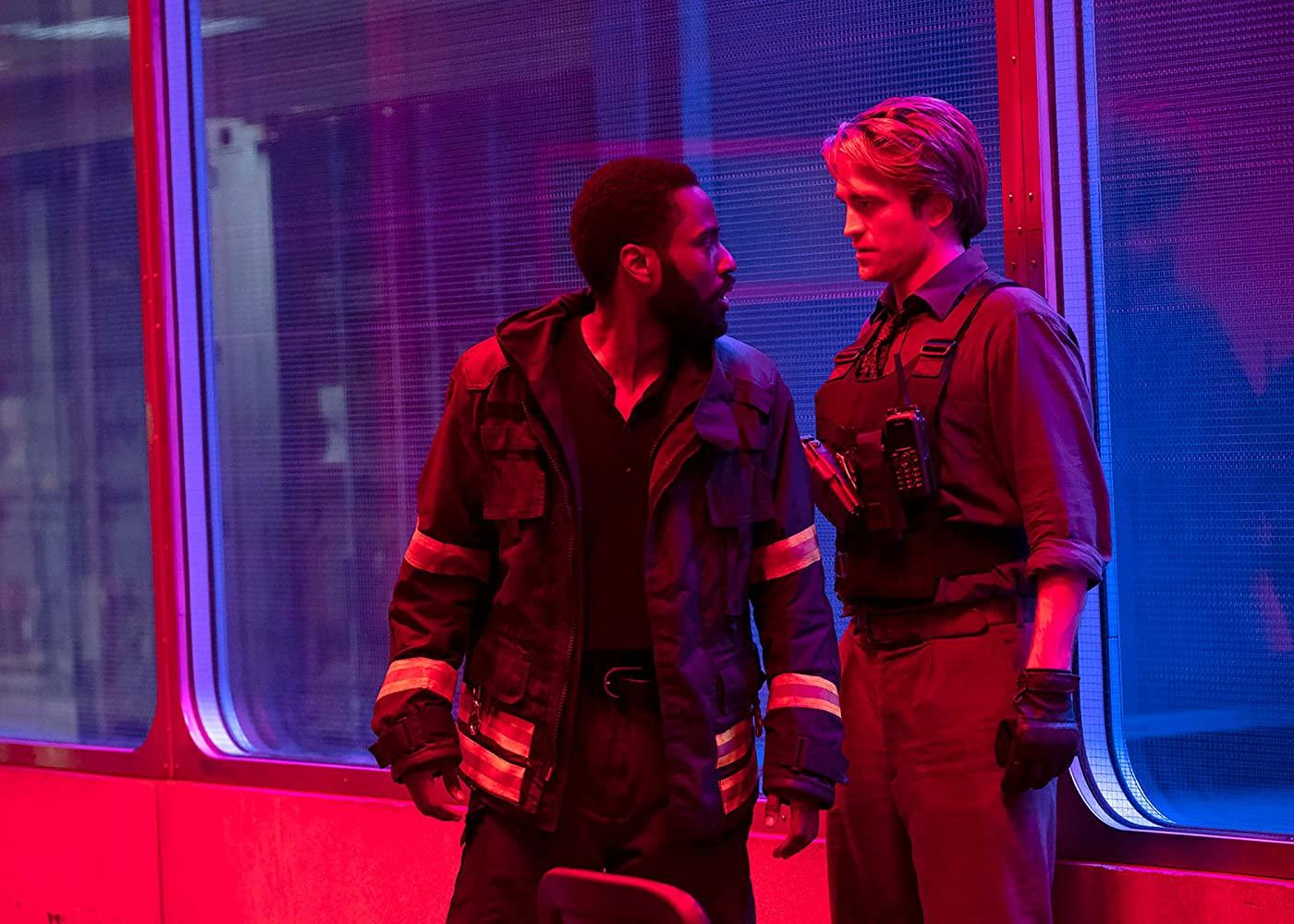 John David Washington og Robert Pattinson i Tenet (SF Studios Norge/Warner Bros.)