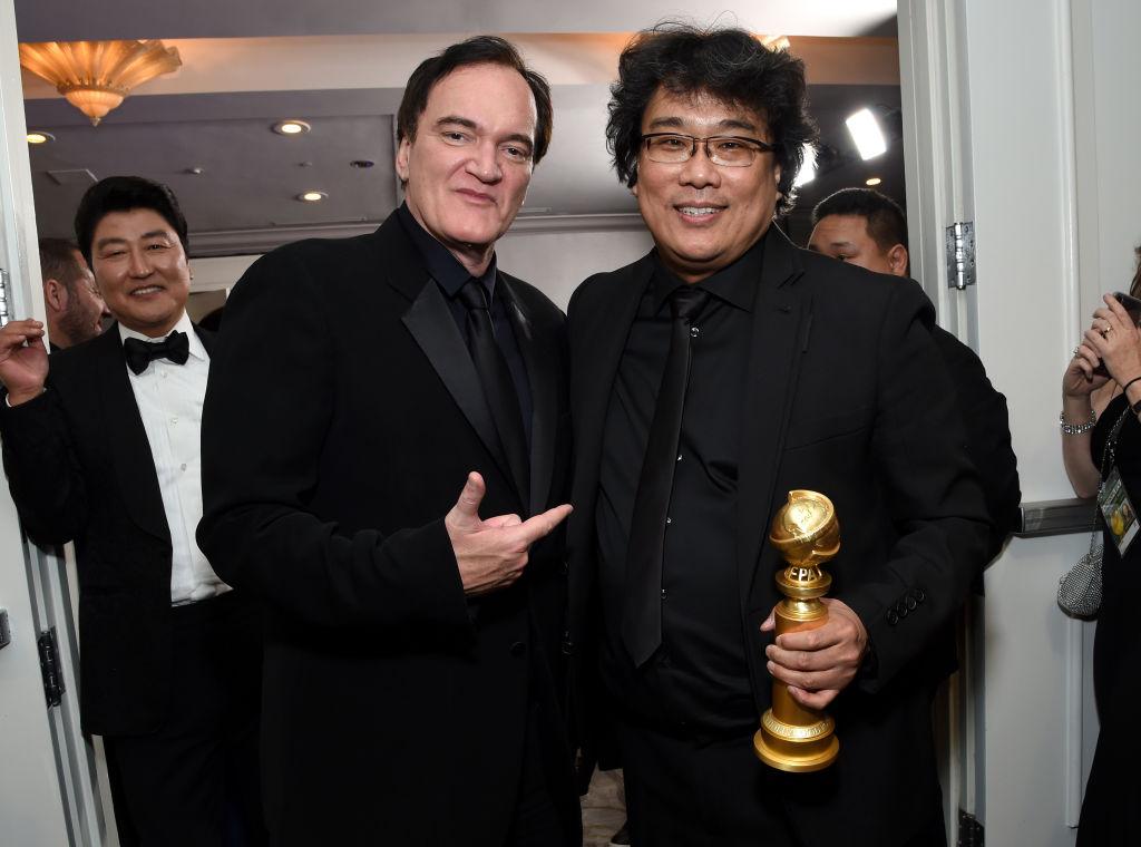 Quentin Tarantino med sin favoritt Bong Joon-ho etter årets Oscar-utdeling (Michael Kovac/Getty)