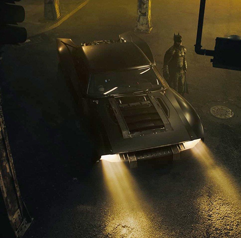På settet i London: R-Pattz debuterer som Bruce Wayne alias Batman (Warner Bros.)
