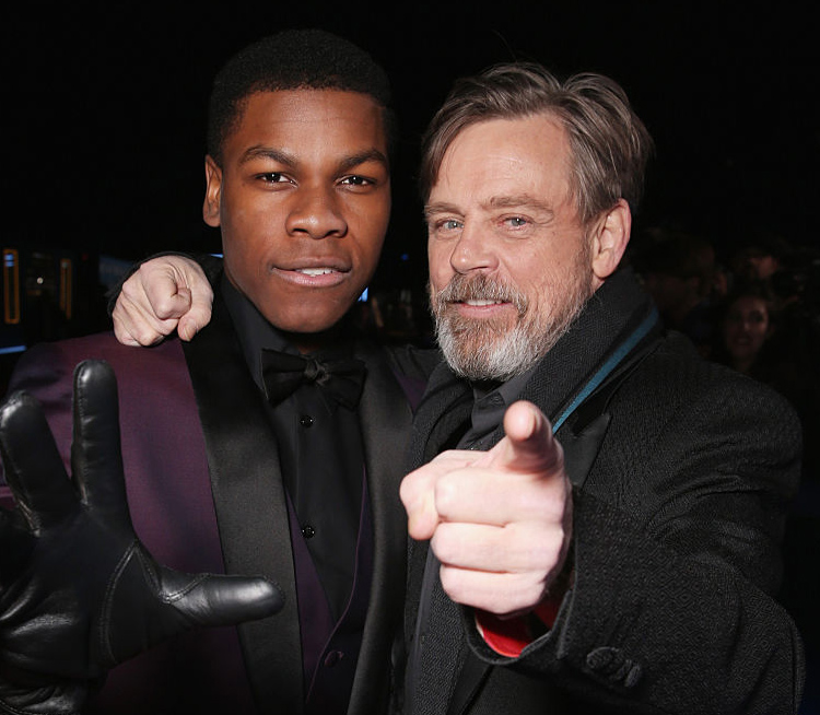 John Boyega og Star Wars-O.G. Mark Hamill på premieren til The Force Awakens i Hollywood (Todd Williamson/Getty)