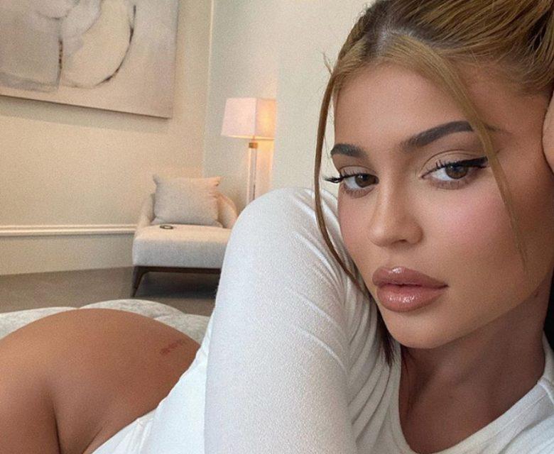 Kylie er vant til å bli rappet om (Instagram/kyliejenner)