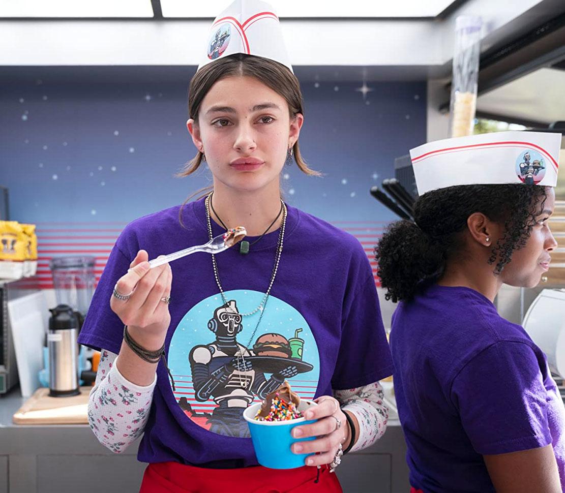 Diana Silvers som Erin Naird (Netflix)