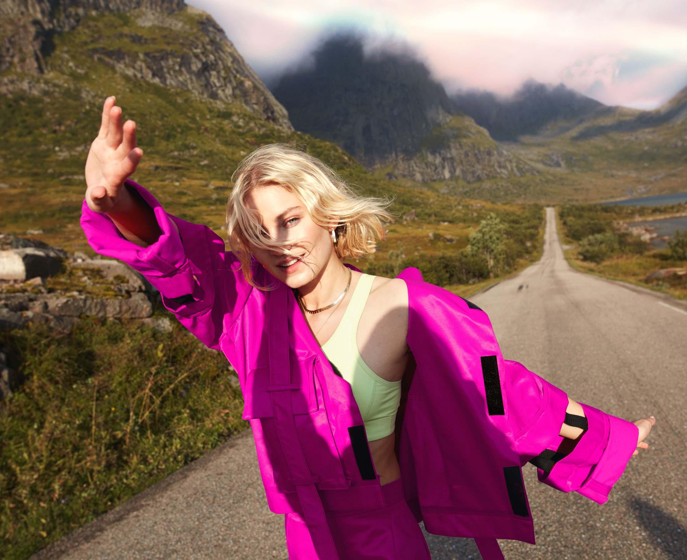 Astrid S vil danse danse danse (Janne Rugland/Universal)