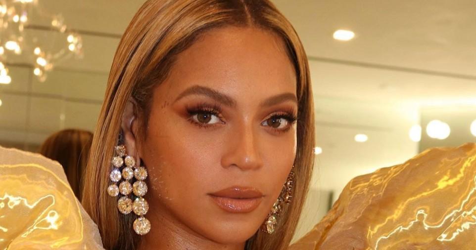 Beyoncé slipper BLACK PARADE