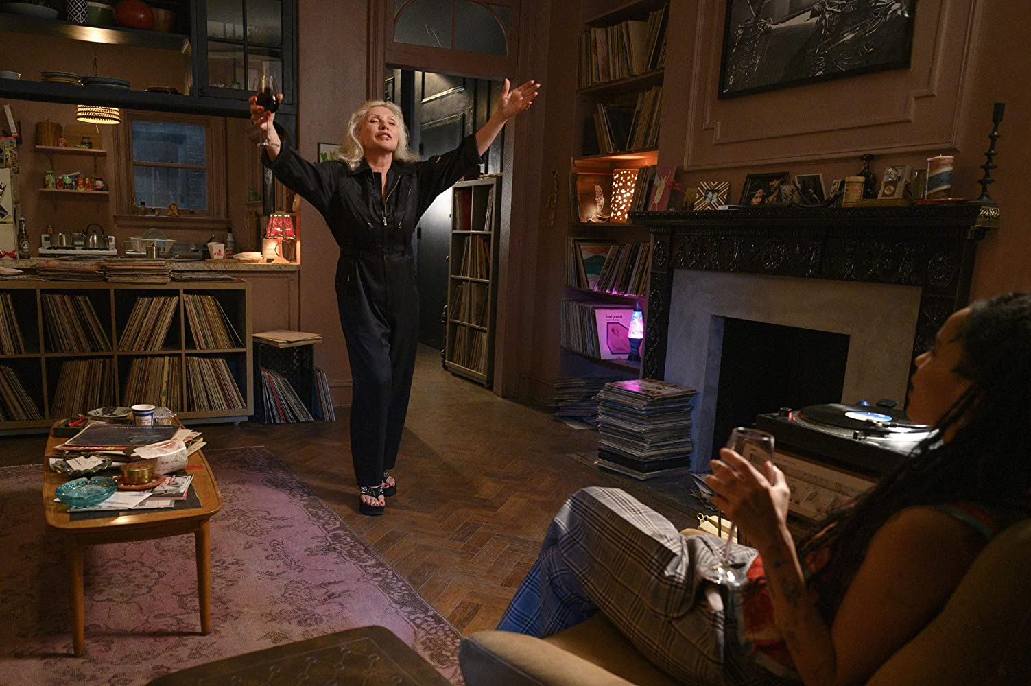 Debbie Harry fra Blondie dukker plutselig opp (Hulu)