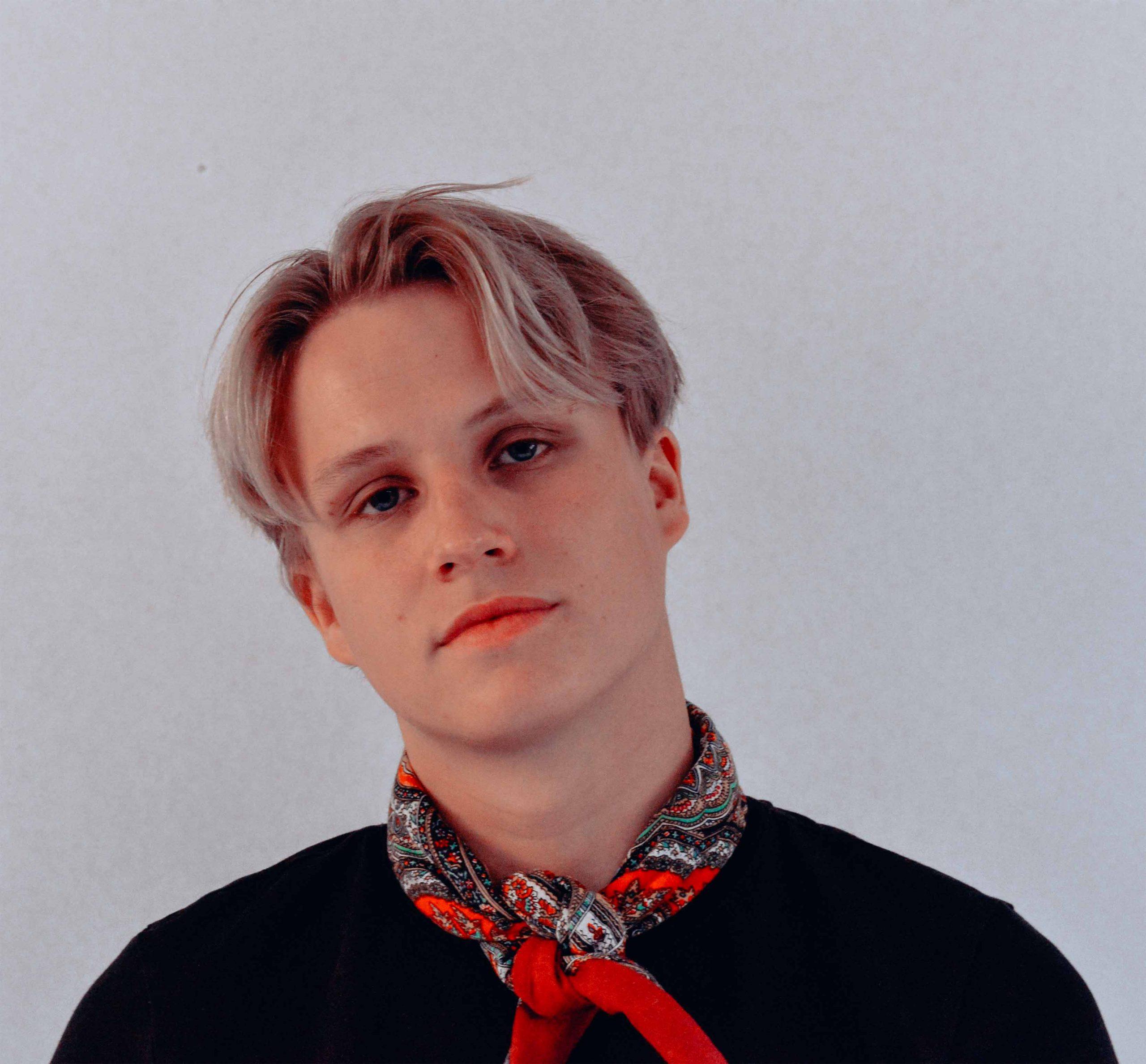 Bølgen alias Niklas Paulsen fyker rett inn på topp (MTG Music)