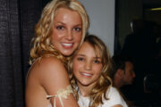 Britney Spears og søsteren Jamie Lynn Spears på Nickelodeon Kids' Choice Awards i 2003 (Frank Micelotta/Getty)