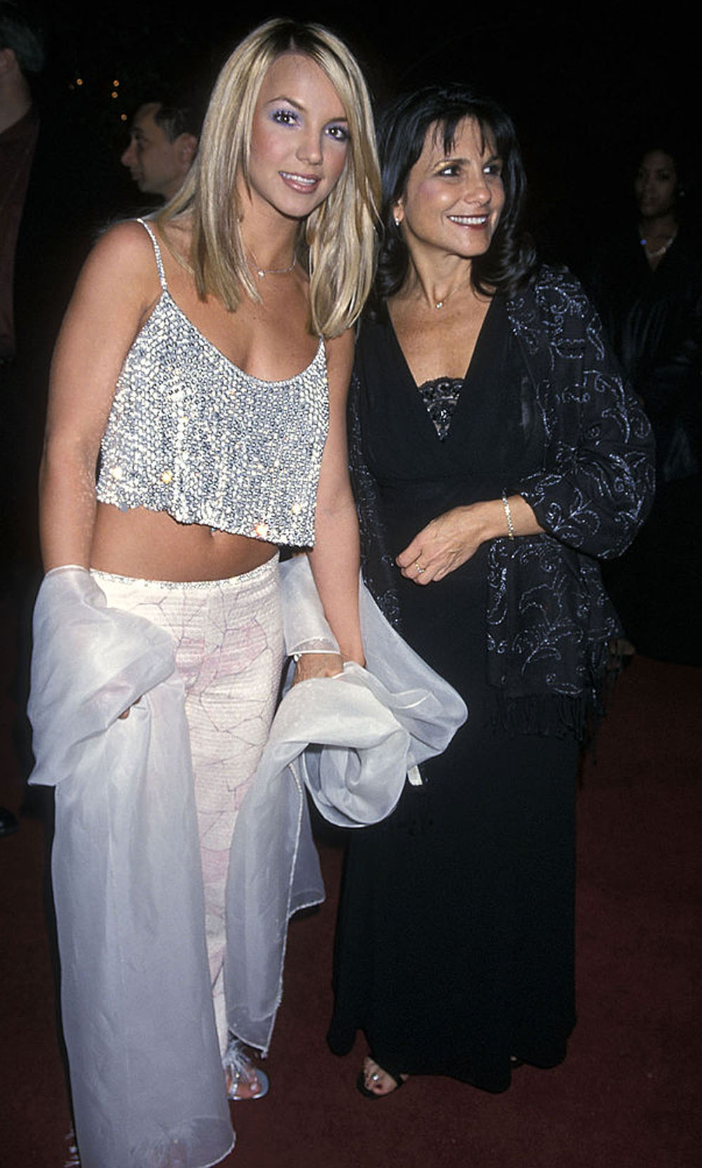 Britney Spears og moren Lynne Spears på Grammy Awards-festen til Clive Davis i Beverly Hills i 2000 (Ron Galella Collection/Getty)