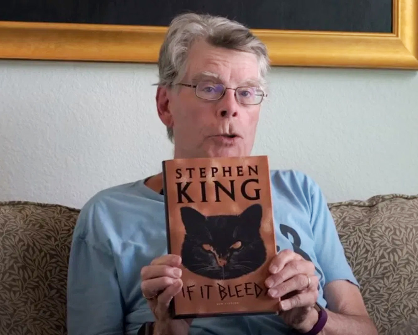 Stephen King med sin ferske bok If It Bleeds med blant annet novellen Mr. Harrigan's Phone (Twitter/stephenking)