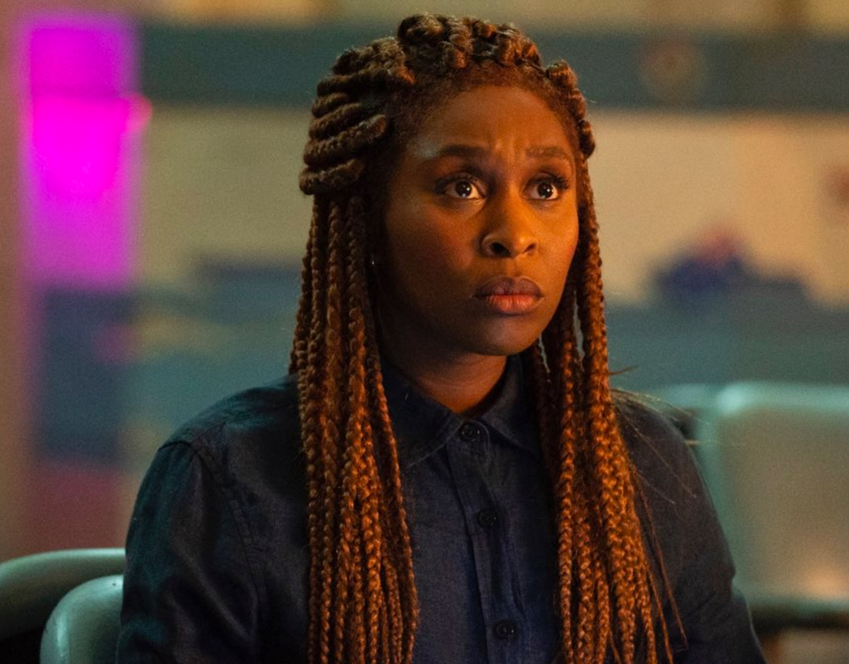 Cynthia Erivo som Holly Gibney i The Outsider (HBO)