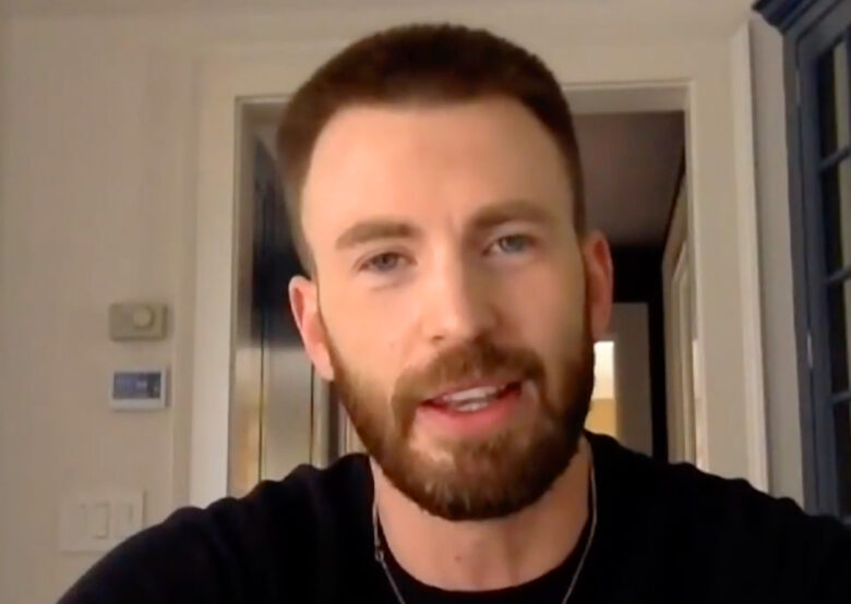 Chris Evans er sporty (skjermbilde Tamron Hall Show)