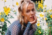 Livets jente Julie Bergan (Ida Bjørvik/Warner)