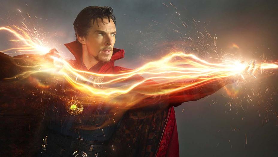 Benedict Cumberbatch som Dr. Stephen Strange alias Doctor Strange (Marvel/Disney)
