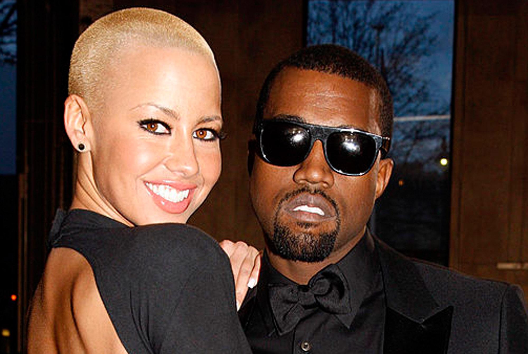 Amber Rose og Kanye West på Yves Saint Laurent-show under Paris Fashion Week i 2009 (Michel Dufour/WireImage)