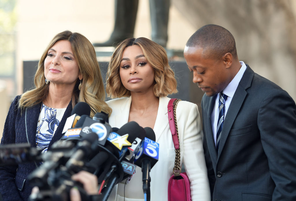 Advokat Lisa Bloom og Blac Chyna etter en høring i Los Angeles Superior Court i 2017 (Matt Winkelmeyer/Getty)