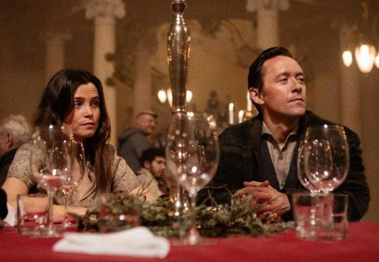 Gitte Witt som Leonora og Thomas Gullestad som Jacob i Kadaver (Netflix)