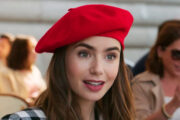 Lily Collins som Emily i Paris i fransk klisjé-#ootd (Netflix)