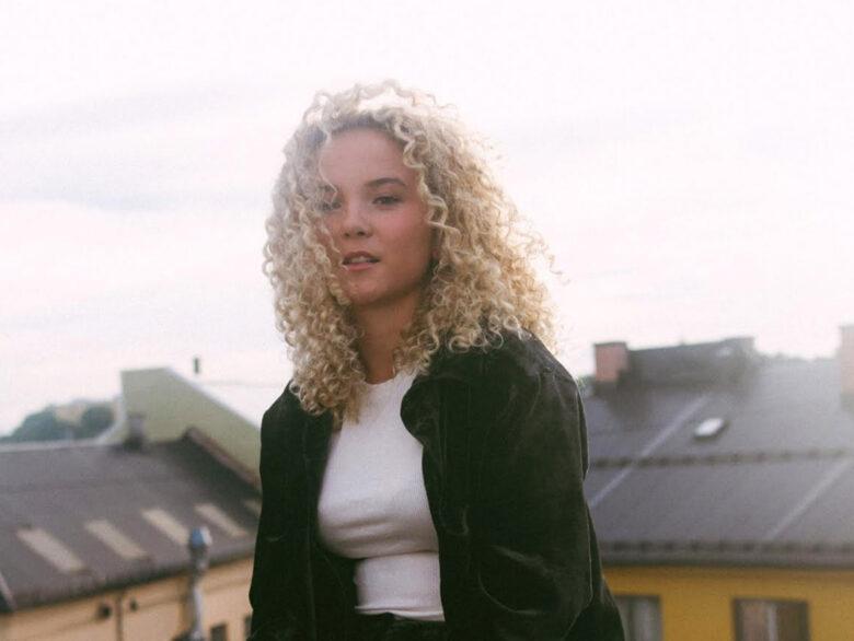 Norsk musikk for Netflix fra Emma Steinbakken (akam1k3/Warner)