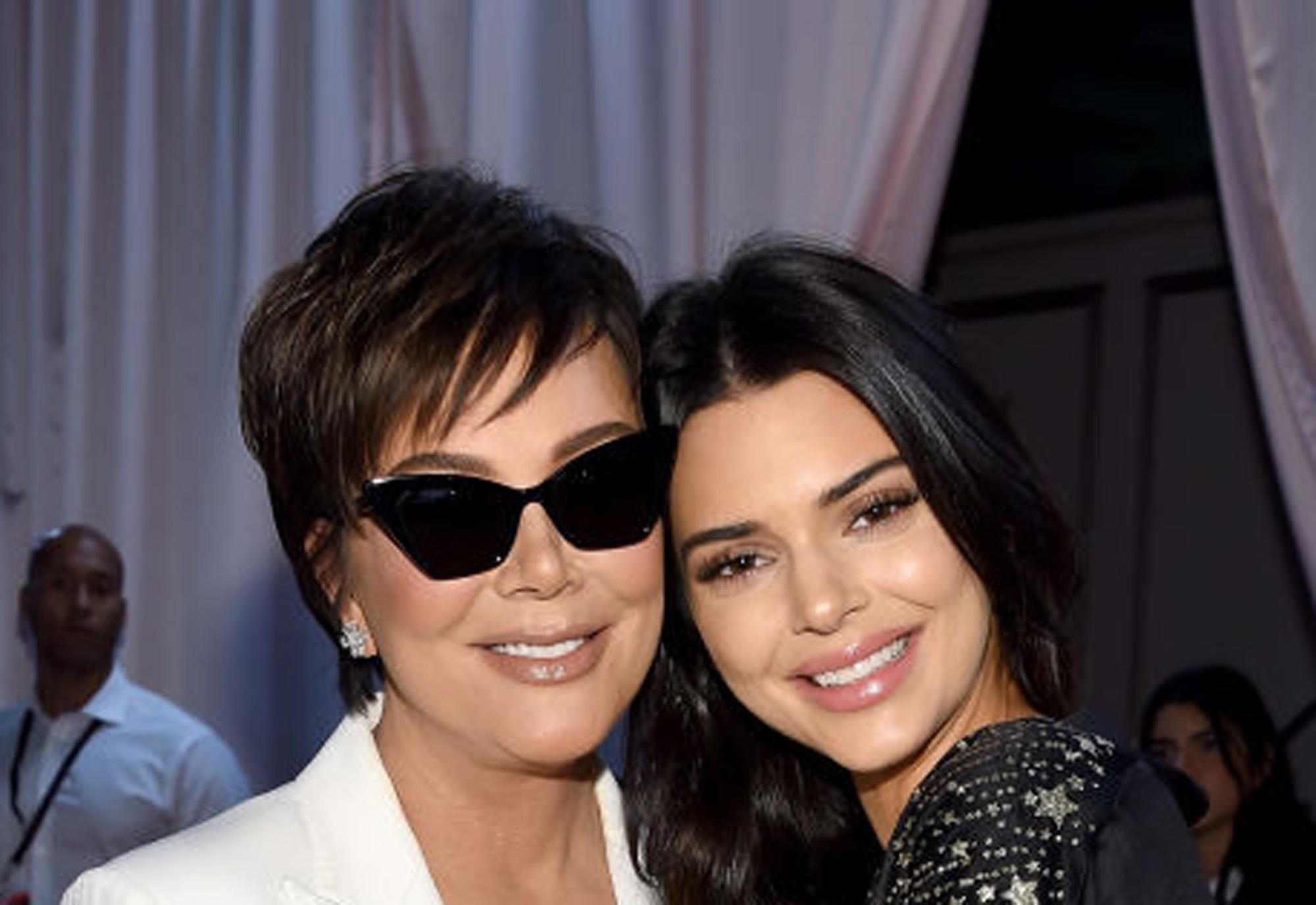 Kris Jenner og Kendall Jenner i 2018 (Dimitrios Kambouris/Getty)