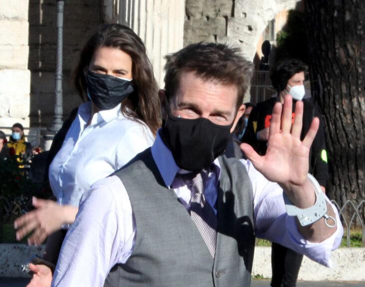 Tom Cruise og Hayley Atwell på settet til Mission Impossible 7 i Roma (Marco Ravagli/Barcroft Media/Getty)