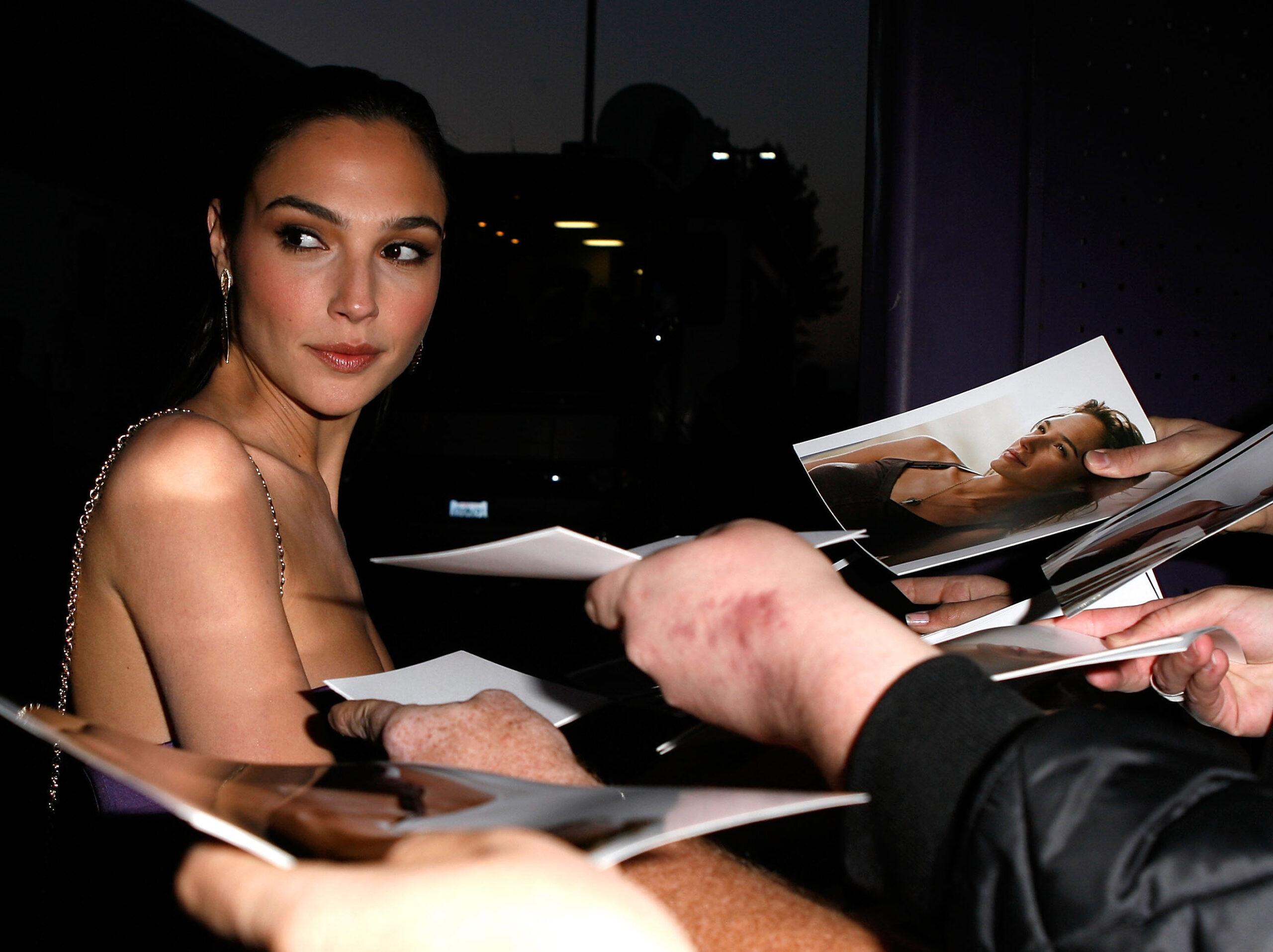 Gal Gadot på premieren til Fast & Furious i Universal City i California i 2009 (Jeff Vespa/WireImage)