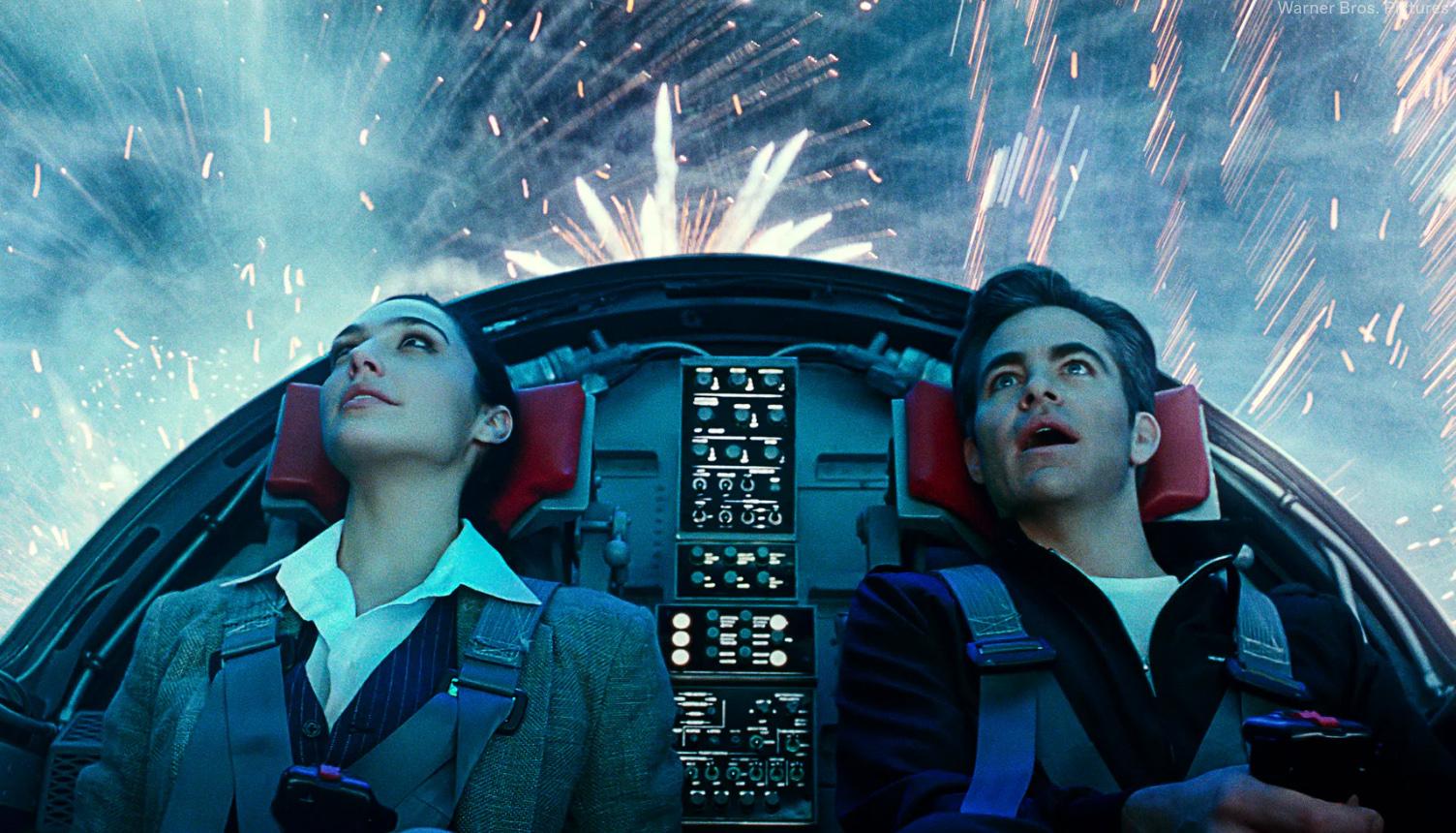 I USA kan folk velge mellom å se WW84 på kino eller på sofaen (Warner Bros.)