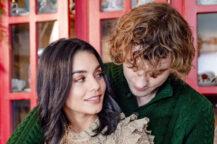 Vanessa Hudgens som Brooke Winters og Josh Whitehouse som Sir Cole i The Knight Before Christmas (Netflix)