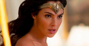 Gal Gadot i rollen som Wonder Woman for fjerde gang (SF Studios/DC/Warner Bros.)