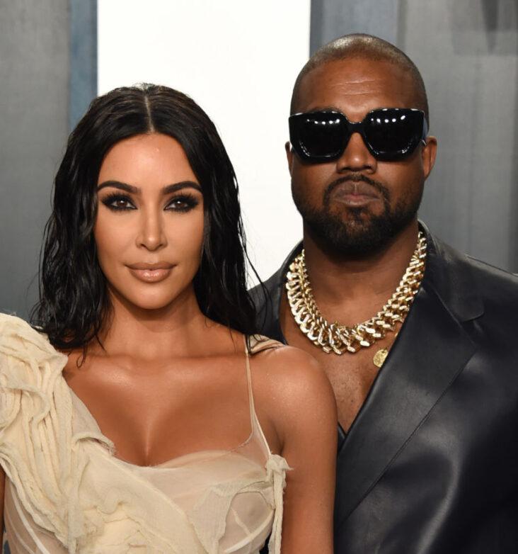 Kim Kardashian og Kanye West ankom sammen til Oscar-festen til Vanity Fair i Beverly Hills i februar 2020 (John Shearer/Getty Images)