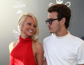 Pamela Anderson og sønnen Brandon Thomas (David Livingston/Getty)