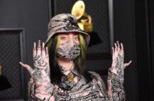 Billie Eilish på Grammy Awards 2021 (Kevin Mazur/Getty)