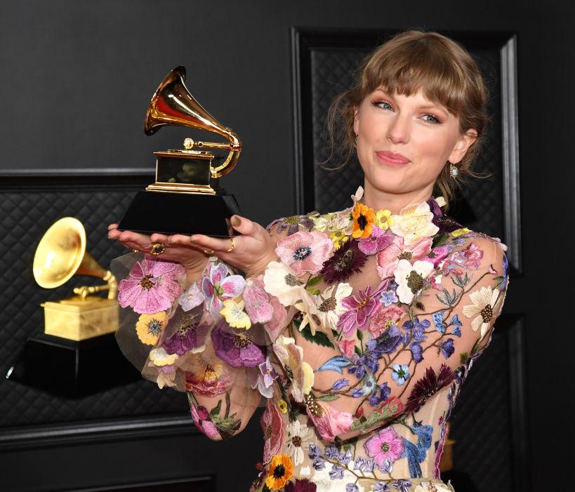 Grammy Awards 2021 - Taylor Swift vant årets album for tredje gang på rad under Grammys (Kevin Mazur/Getty)