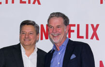 Netflix co-CEO-ene Ted Sarandos og Reed Hastings (Han Myung-Gu/WireImage)