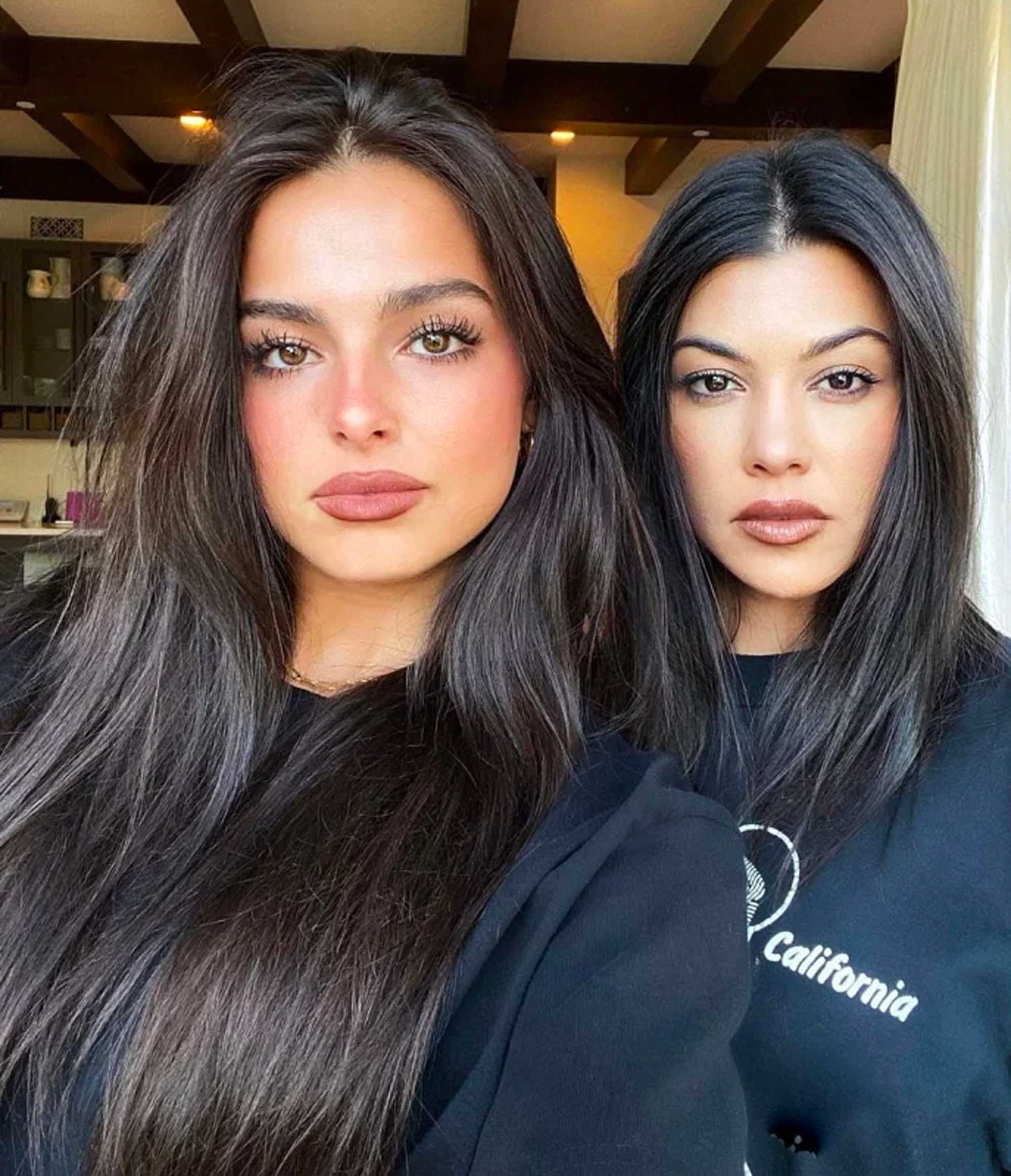Addison Rae og Kourtney Kardashian (Instagram/addisonraee)