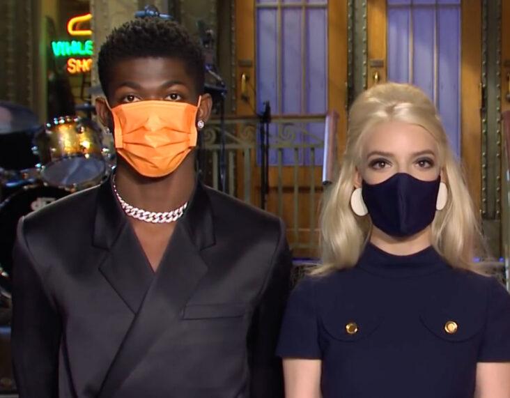 Lil Nas X og Anya Taylor-Joy på Saturday Night Live (NBC)