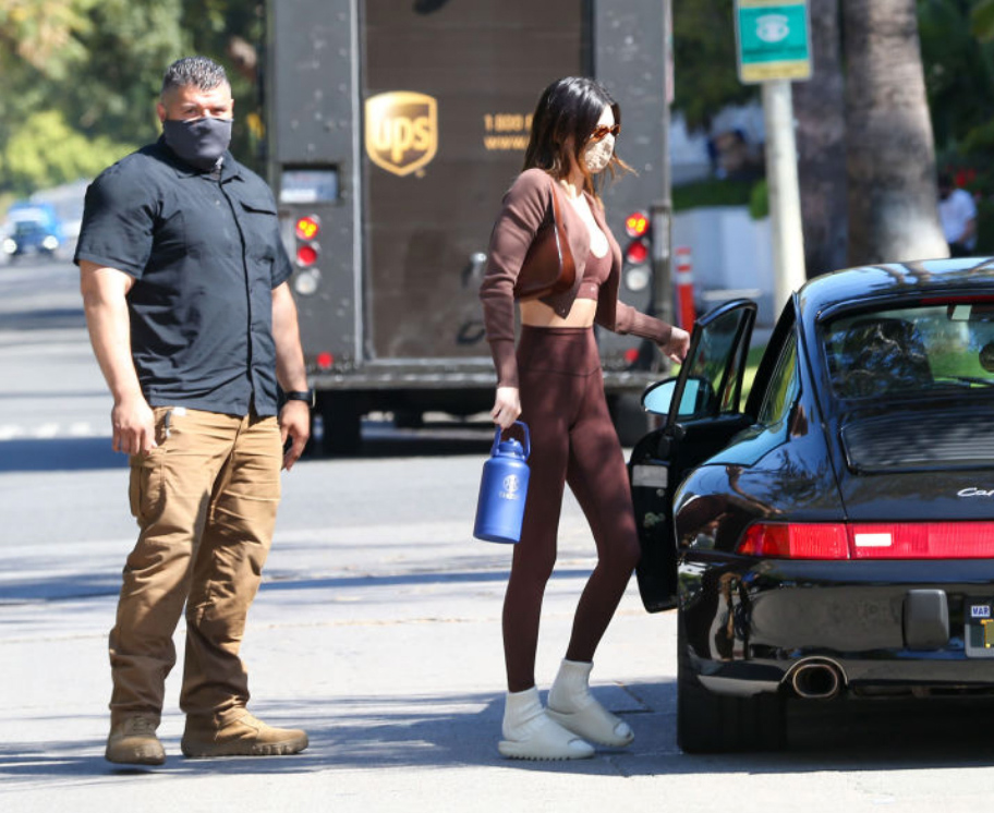 Kendall Jenner på vei fra yoga i West Hollywood i april 2021 (Bellocqimages/Bauer-Griffin/GC Images)