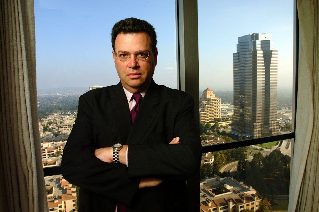 Advokat Marty Singer i konferanserommet på sitt kontor i 24. etasje i Century City i Los Angeles (Paul Harris/Getty)