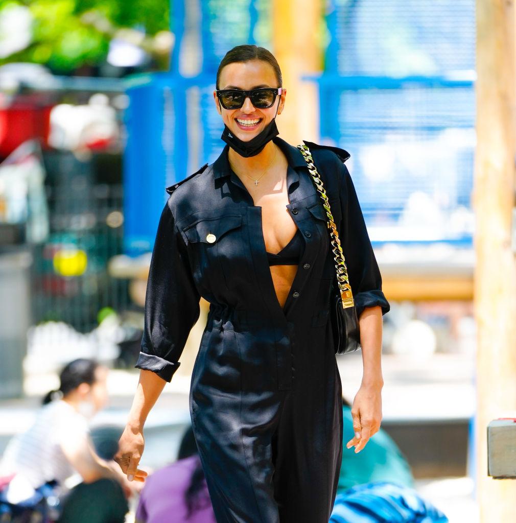 Irina Shayk på Manhattan 10. juni 2021 (Gotham/GC Images)