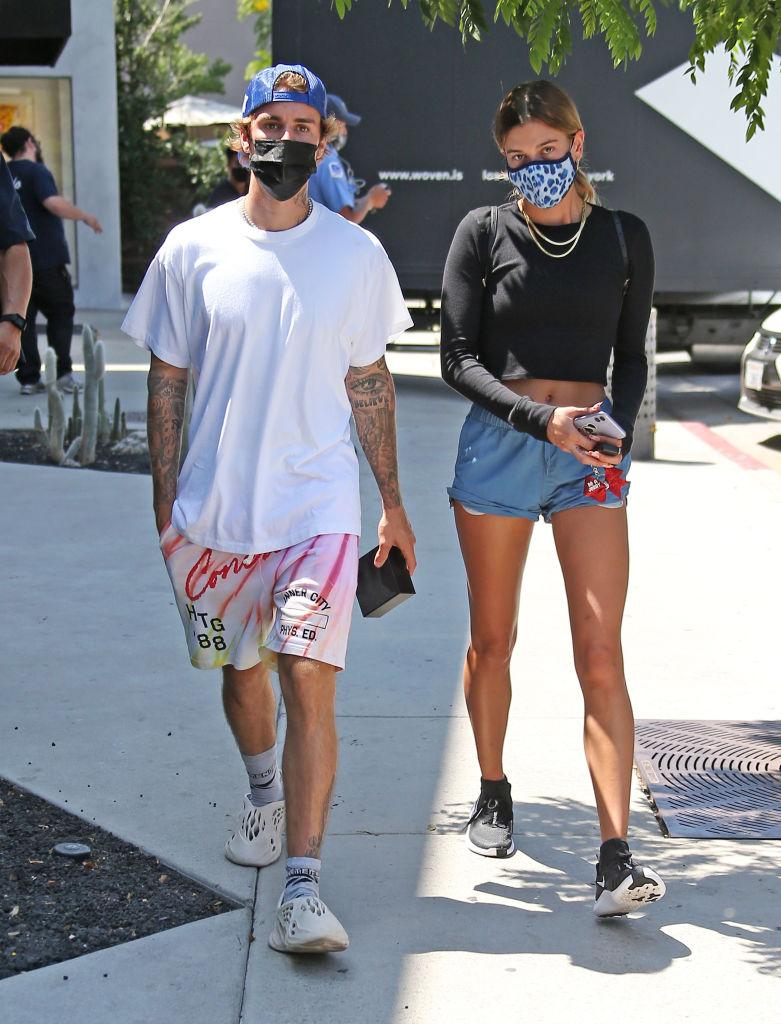Justin Bieber og Hailey Bieber i Beverly Hills i California i august 2020 (MEGA/GC Images)