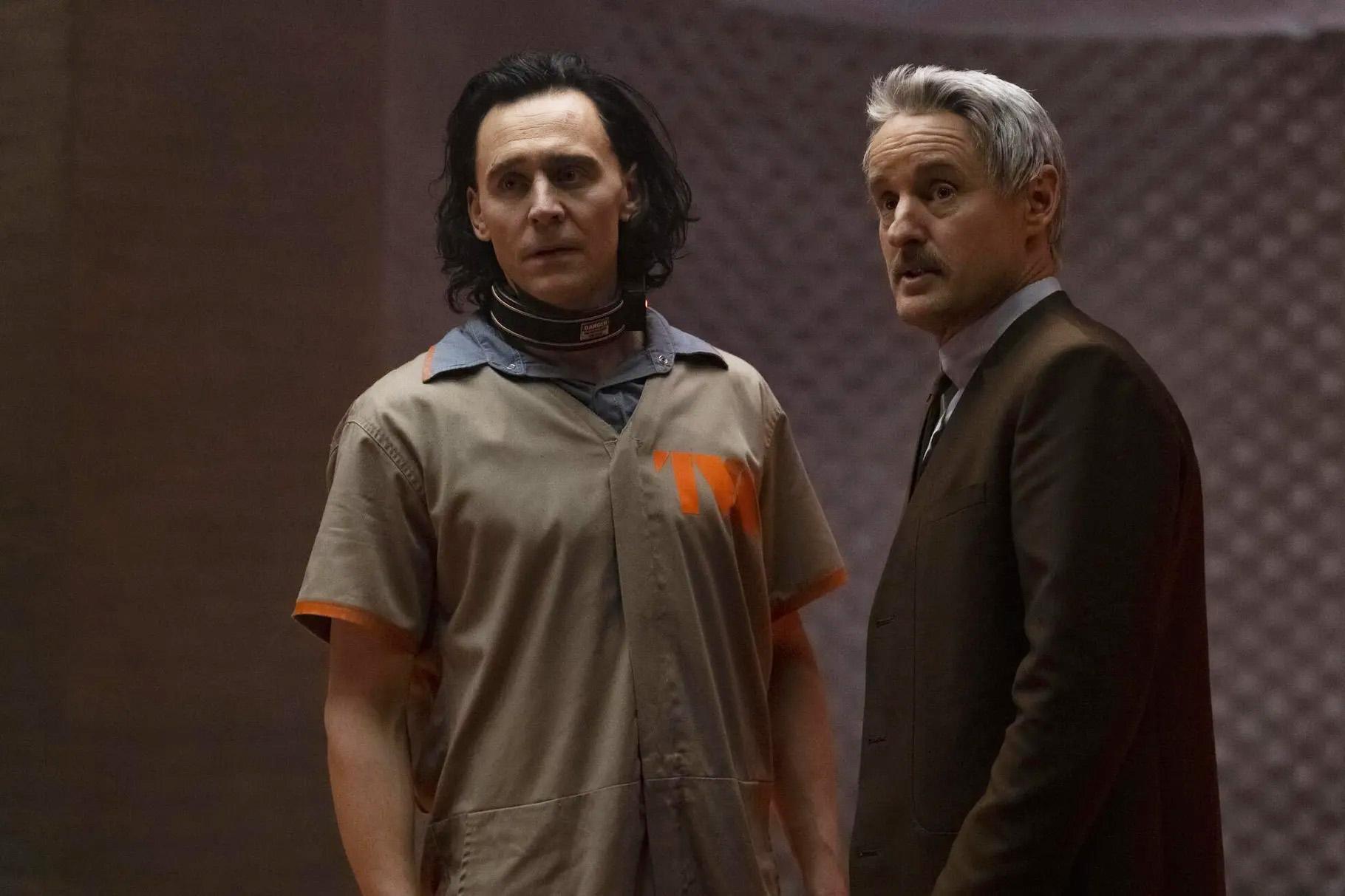 Tom Hiddleston som Loki, Owen Wilson som TVA-detektiven Mobius M. Mobius (Marvel/Disney+)