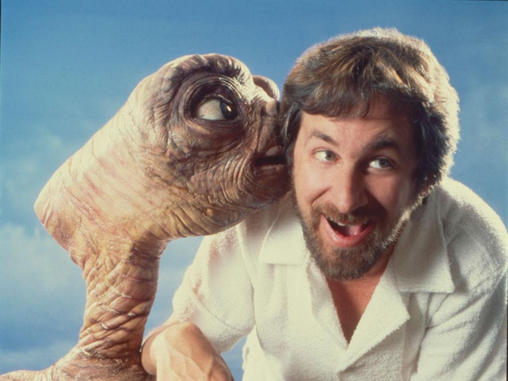 Throwback med Steven Speilberg og hans romvesen E.T. The Extra-Terrestrial i 1982 (Aaron Rapoport/Corbis/Getty)
