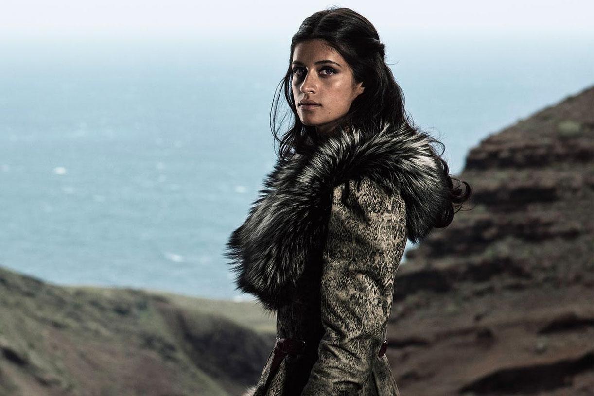 Anya Chalotra som Yennefer (Netflix)