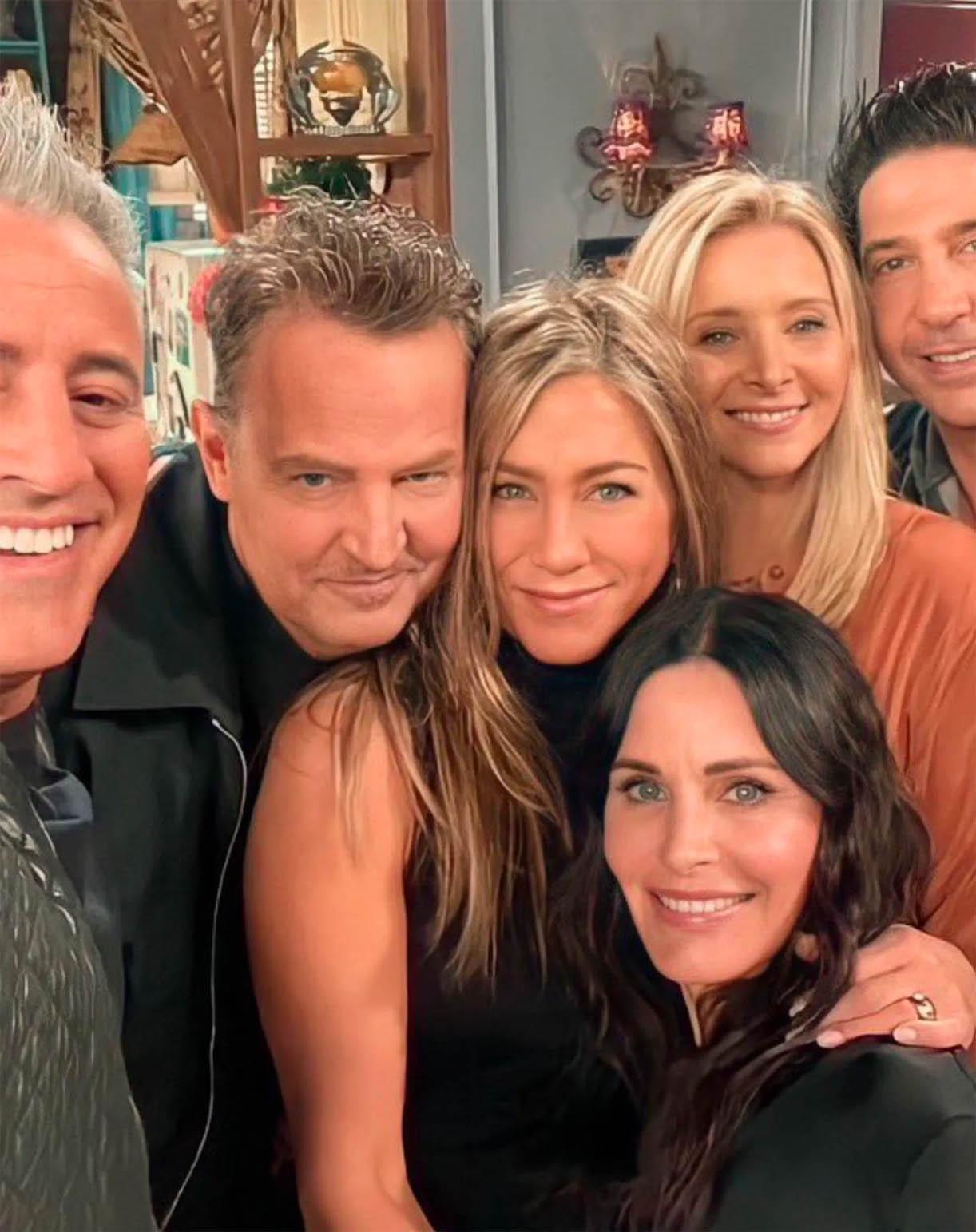 Emmy-nominasjon til Courteney Bass Cox(nederst) alias Friends-karakteren Monica Geller (Instagram)