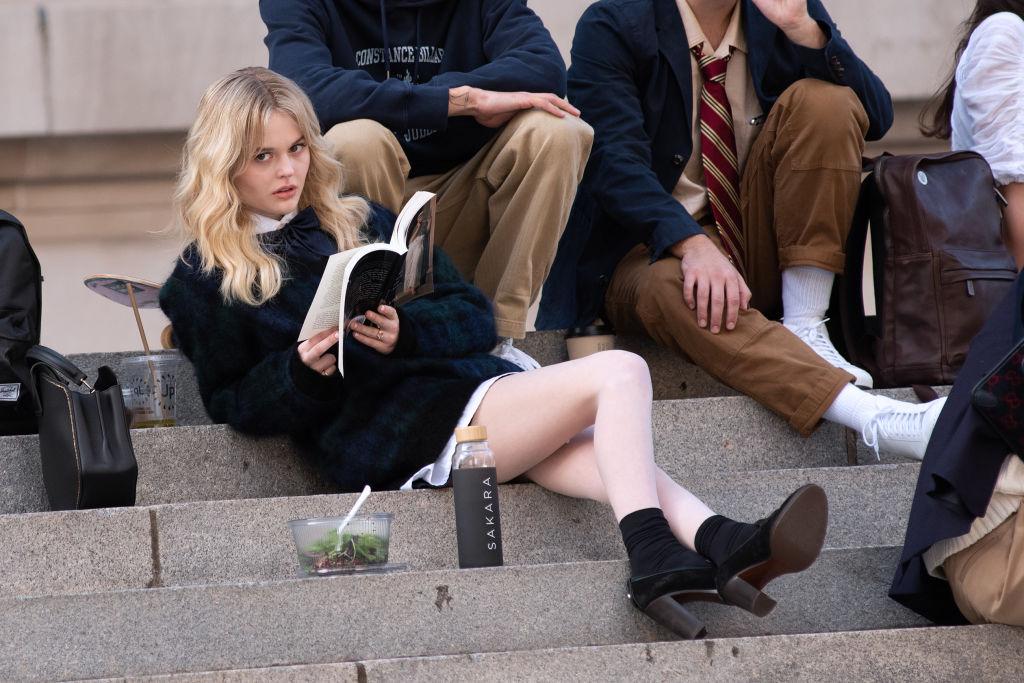 Emily Alyn Lind som Audrey Hope under filmingen av Gossip Girl i New York (RCF/MEGA/GC Images)