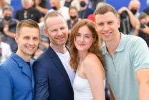 Anders Danielsen Lie, Joachim Trier, Renate Reinsve og Herbert Nordrum i Cannes (Stephane Cardinale/Corbis/Getty)