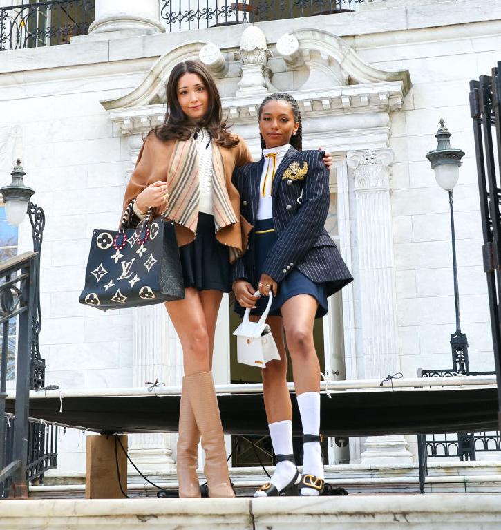 Nye Gossip Girl: Zion Moreno og Savannah Smith som Luna La og Monet de Haan (Jose Perez/Bauer-Griffin/GC)