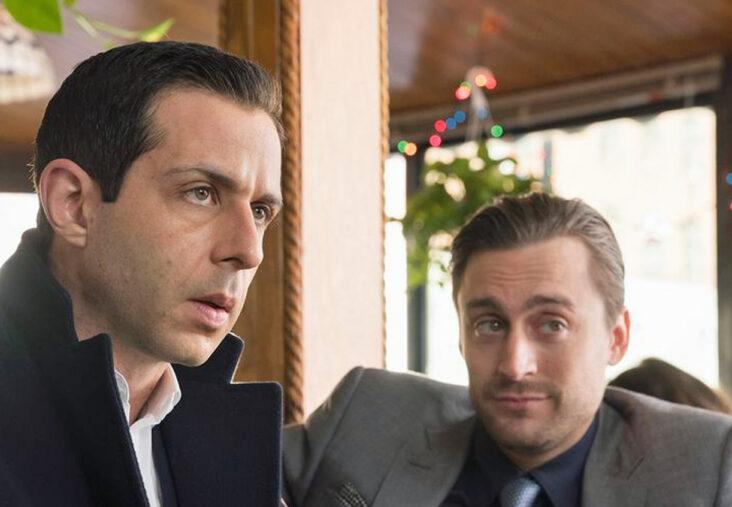 Succession med Jeremy Strongsom Kendall Roy ogKieran Culkinsom Roma Roy (HBO)