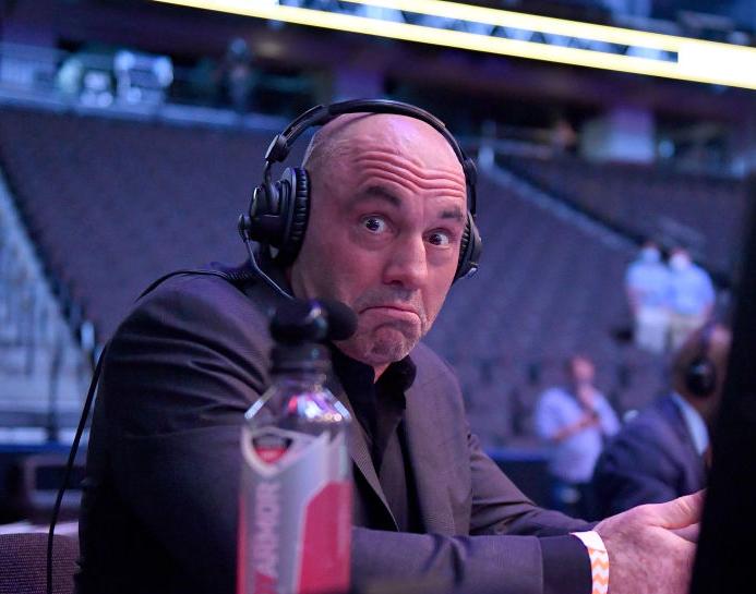 Joe Rogan under UFC 249 i Florida i mai 2020 (Douglas P. DeFelice/Getty)